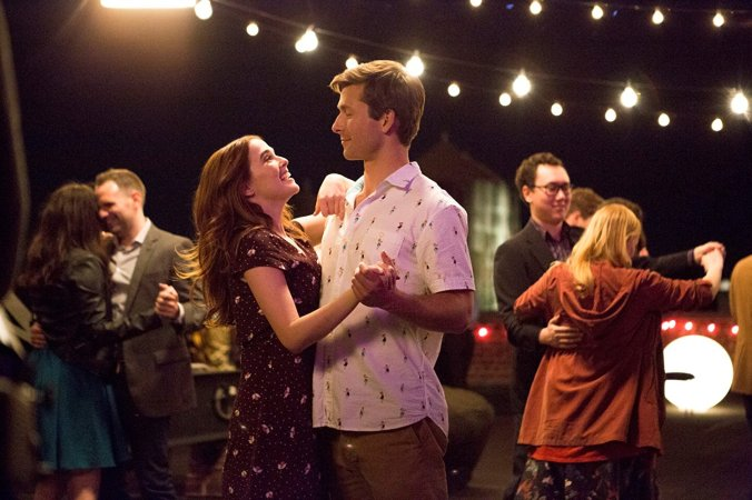 Glen Powell, Zoey Deutch in Set it Up